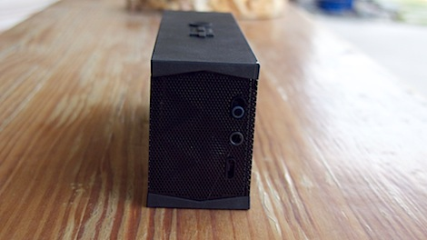 Jawbone Jambox side view